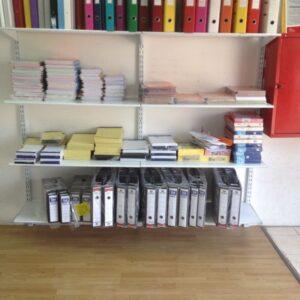 מדפים ממתכת למשרד