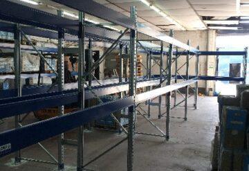 שלבי מדפים תעשייתיים למחסן
