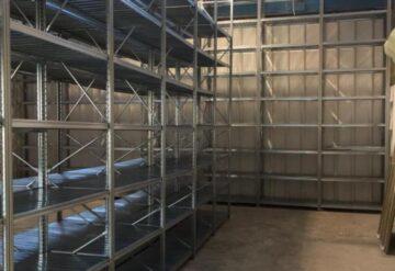 מדף מודולרי במחסן