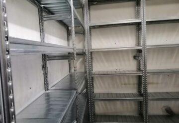 מדפים למחסן חלקי חילוף בצורת ח