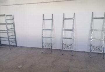 דוגמא של מדפים מודולריים במחסן 2